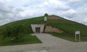 21.Sveshtary tomb