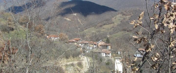 До водопад Скока – през китните пирински села Любовище и Кашина