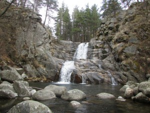 7.Popina lyka waterfall