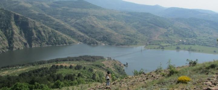 Моняк, с.Лисиците и скалните феномени около Кърджали