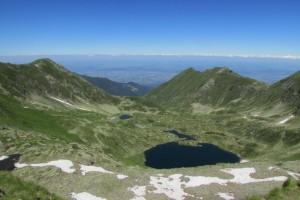 2.Podragu lake and chalet