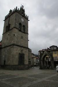 44.Guimaraes-Largo da Oliveira-Padrao do Salado and Nossa Senhora da Oliveira chirch