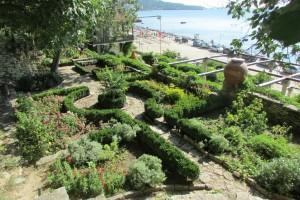 54.Botanic garden and palace Balchik