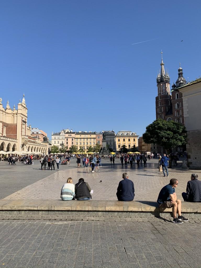 Краков площад и църква